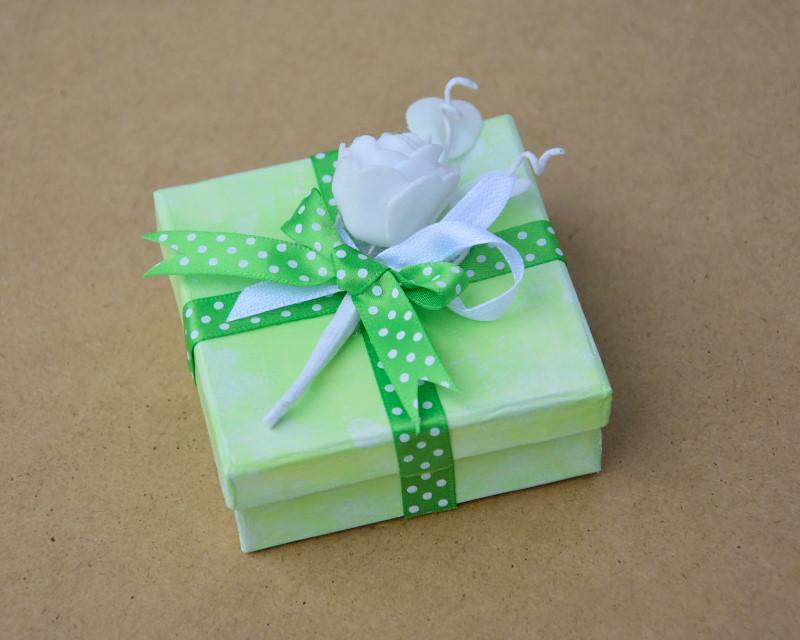 Zelena poročna škatlica