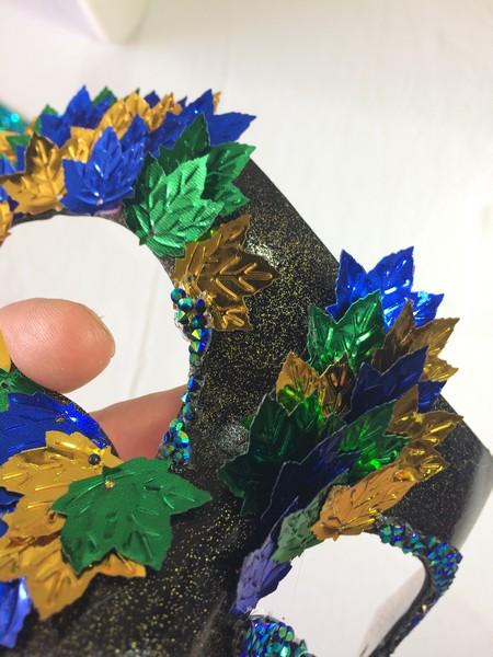 Jesenska maska z bleščicami in kamenčki za lepljenje