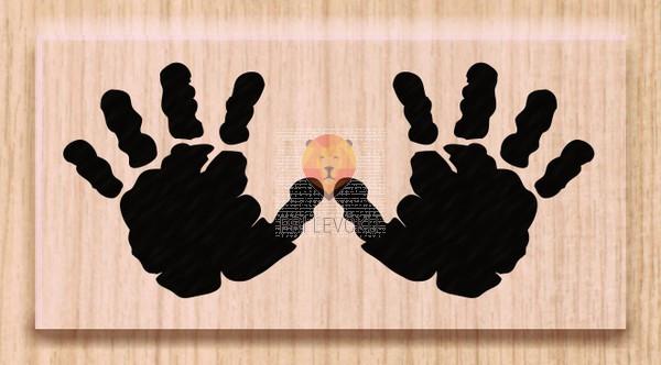 Lesena štampiljka Odtis rokic 1 kos