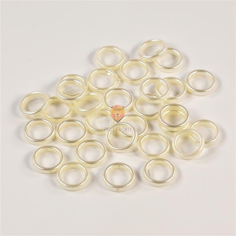 Plastični člen krog bele biserne barve 15mm 30 kosov