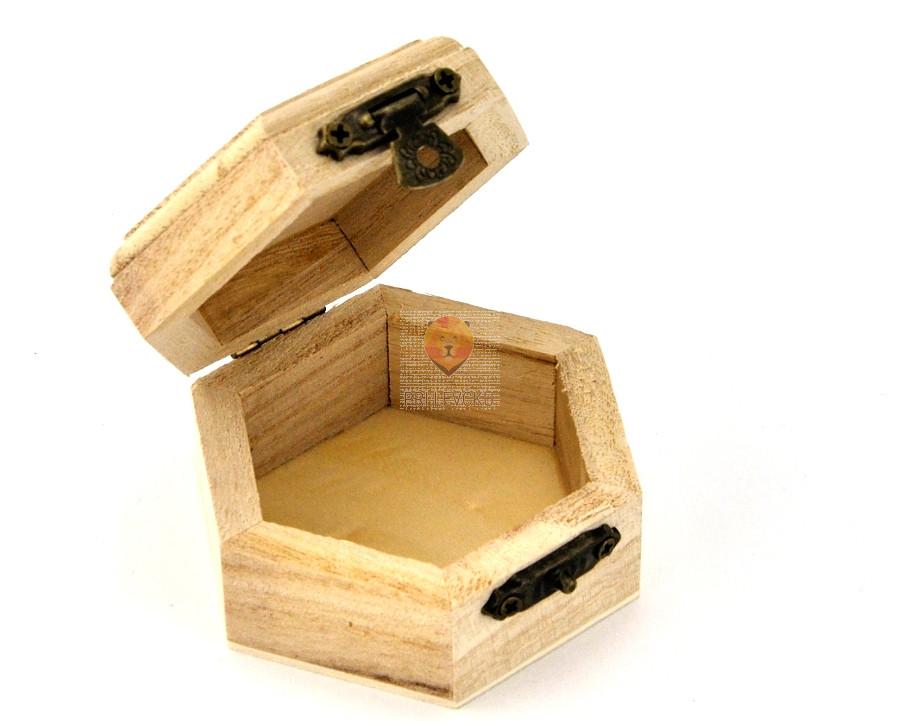 Šestkotna lesena škatlica - masivna