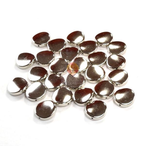 Perle plastične kovinski izgled medaljoni srebrne barve 40g