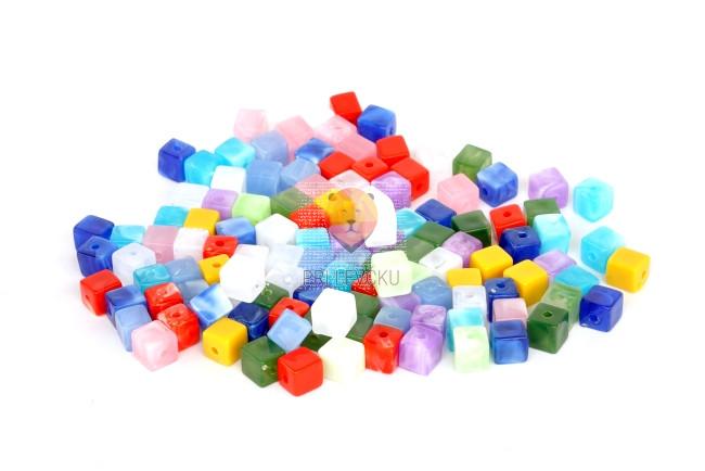 Perle akrilne mix 8, kocke različne barve, 50g