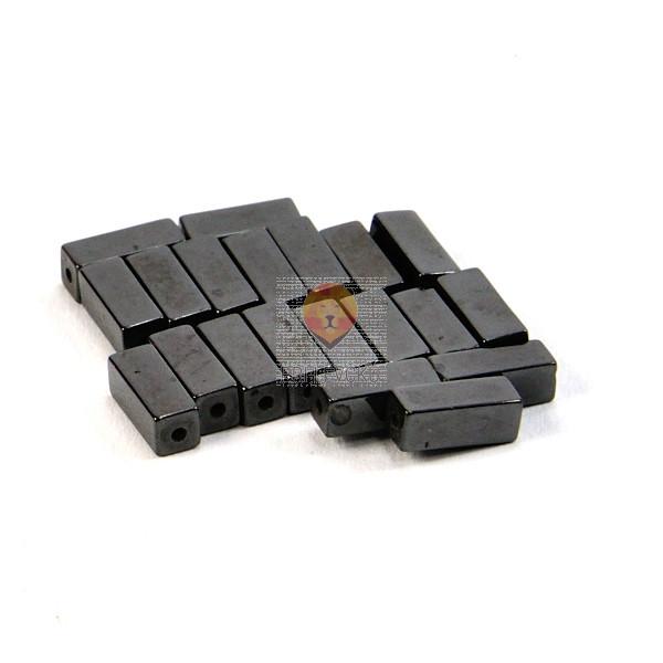Perle magnetne 4x4x10mm črne barve 20/1