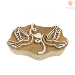Lesena štampiljka Golobčka s srčkom 9x5cm 1 kos