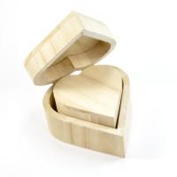 Lesena škatlica v obliki srca - masivna