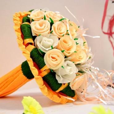 Poročna dekoracija iz krep papirja