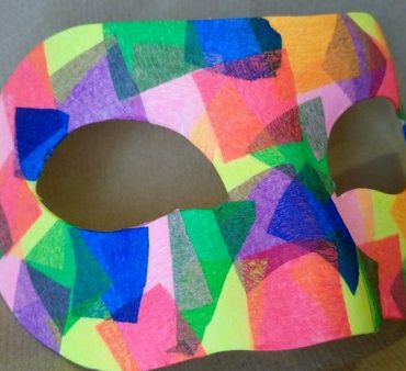 Pisana mozaik pustna maska